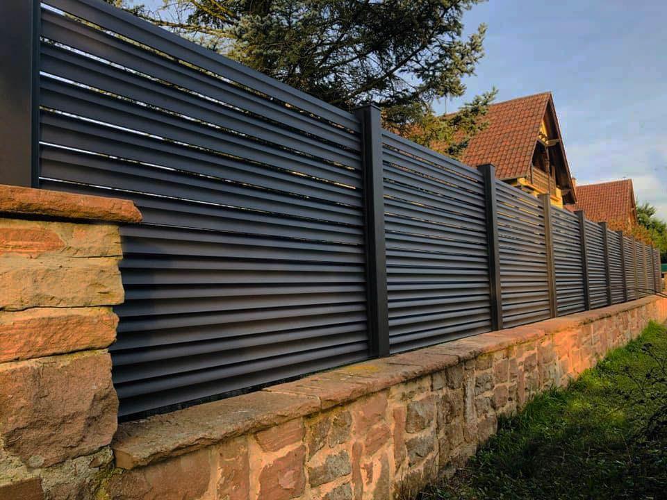 clôtures design et épurée, art et portails